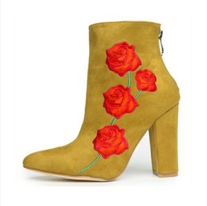 Cape Robbin Suede Olive Embroidered Rose Bootie 10